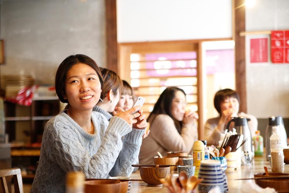 株式会社行雲コミュニケーションミーティングでの昼ごはん風景