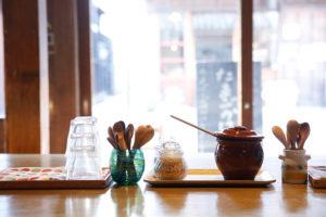 カフェ有鄰庵の朝の風景