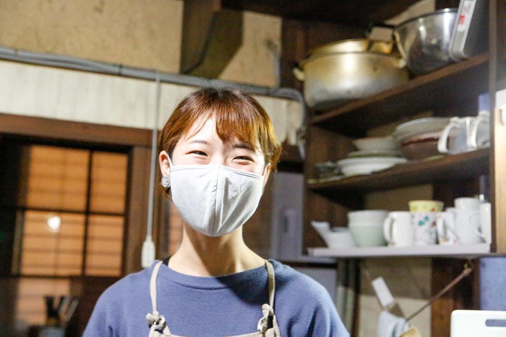 株式会社行雲有鄰庵社員・塩崎由歩(ゆうぼー)